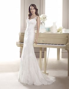 Spanish bridal house Fara Sposa brings us this unique lace gown. Style: Fausta Available Colours: white & ivory Wedding Dresses Perth, Elegant Wedding Dress, Wedding Gowns, Always And Forever Bridal, Bridal Stores, Dress Collection, Bridal Gowns, Lace, Model