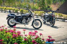 2016 Bajaj Avenger 220 Picture Gallery Of The Street and Cruiser Models