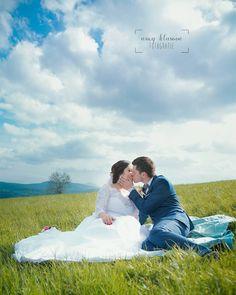"Páči sa mi to: 33, komentáre: 1 – Amy Klusová - Fotografie 📷📷😊 (@amyklusova) na Instagrame: ""D&L ❤ #navzdyspolu #love #orava #wedding #svadba_uz #svadba2017 #fotograf #oravskalesna…"" Amy, Wedding Dresses, Instagram, Fashion, Bride Dresses, Moda, Bridal Gowns, Fashion Styles, Weeding Dresses"