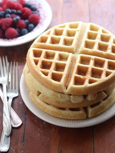 Best Buttermilk Waffles are perfectly crisp thanks to a secret ingredient- tested it and these are great! Makes about 4 waffles in my machine. Breakfast Waffles, What's For Breakfast, Pancakes And Waffles, Breakfast Dishes, Breakfast Recipes, Mexican Breakfast, Pancake Recipes, Breakfast Sandwiches, Low Cal