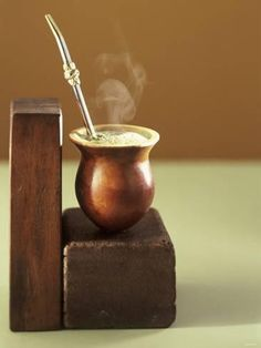 Yerba Mate is traditionally prepared in a special fashion, using a gourd and a special straw, the bombilla for drinking. Gaucho, Ways To Make Coffee, Yerba Mate Tea, Drink Containers, Mouth Watering Food, Great Coffee, Gourds, Find Art, Tea Time
