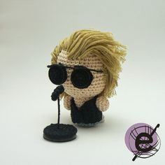 enganchada: Softie Metal Idols III: Living on a Prayer Crochet Music, Knit Or Crochet, Crochet Dolls, Crochet Hats, Bon Jovi, Amigurumi Doll, Softies, Doll Toys, Crochet Projects