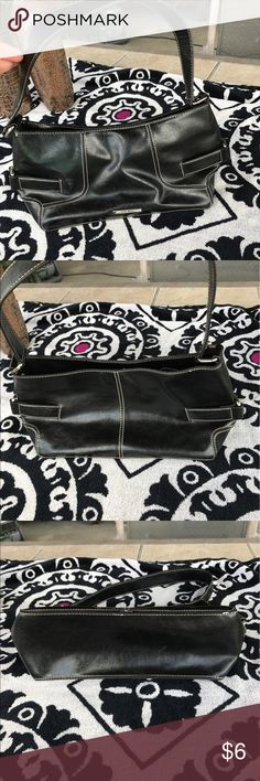 Nine West Purse Good shape. Very clean interior Nine West Bags Totes