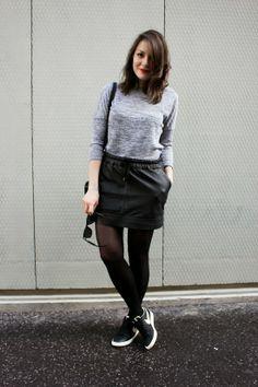 C B C M G: T'as le swoosh coco ! - Promod gray tshirt - Mango black leather skirt - Moa black crossbody bag - Ray Ban Wayfarer sunglasses - Nike Blazer Low leather vintage