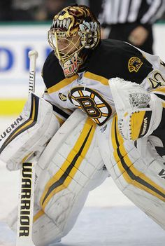 DALLAS, TX - FEBRUARY Tuukka Rask of the Boston Bruins in goal against the Dallas Stars in the third period at American Airlines Center on February 2017 in Dallas, Texas. (Photo by Ronald Martinez/Getty Images) Ice Hockey Teams, Hockey Goalie, Hockey Stuff, Field Hockey, Hockey Players, American Airlines Center, Boston Bruins Hockey, Nhl Games, Boston Strong