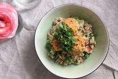 Quinoa tabbouleh med kikärts-och morotsbullar