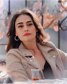 Turkish Women Beautiful, Turkish Beauty, Turkish Fashion, Photography Poses For Men, Girl Photography, Beautiful Celebrities, Beautiful Actresses, Esra Bilgic, Indian Photoshoot