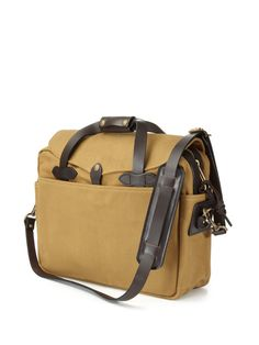 I love my Filson briefcase! Hubbins gave this to me as a gift when I graduated from college. Love that man <3