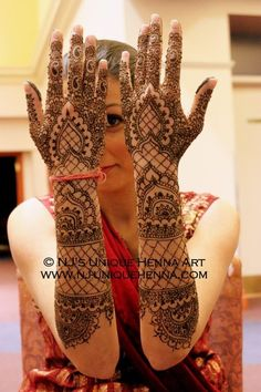 Traditional Indian bridal henna 2013 © NJ's Unique Henna Art | Bridal henna mehndi. NJ's Unique Henna Art © All rights reserved. Henna by Nadra Jiffry. Based in Toronto, Canada. Specializing in Bridal henna and henna crafts. This is my work and my photos only.  www.nj-uniquehenna.com