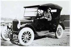 Ford pirtuautona Kauklahdessa vuonna 1925. Finland, Antique Cars, Ford, Antiques, Vehicles, Museum, Vintage Cars, Antiquities, Antique
