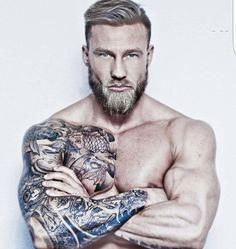 "3,834 curtidas, 17 comentários - Beard & Beast (@beardandbeast) no Instagram: ""Admin : @hey_oh_alex 2nd insta @hypegentleman model : @stiking1 Promotion / collaboration /…"""