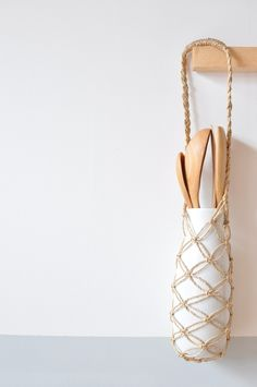 Small knotted rope bag - could be a fab wine tote.