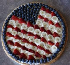 4th of July: American flag fruit pizza/pie. Too pretty to eat!