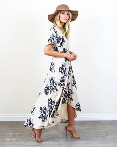 Spring vibes have arrived and our Blue Bonnet Maxi Dress is perfection! A cream hued wrap dress with dark blue and brown florals. This soft and vintage inspired dress features a fitted elastic waist. Saved by Sandra de Mode Boho, Mode Chic, Trendy Dresses, Casual Dresses, Floral Dresses, Wrap Dresses, Boho Maxi Dresses, Blue Floral Maxi Dress, Floral Shoes