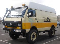 4 x 4 Vans - Bing Images Pickup Truck Camper Shell, Vw Lt Camper, Truck Camper Shells, Transporter T3, Volkswagen Transporter, Vw Bus, Vw Lt 4x4, Vw Syncro, Volkswagen Type 3