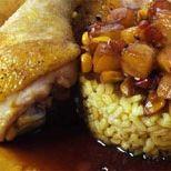 Cassola d'arròs amb curri i pollastre