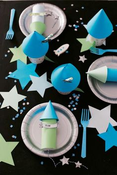 This is a super nice idea for the next space party for childbirth . - This is a super nice idea for the next space party for children& birthday. Baby Boy First Birthday, 18th Birthday Party, Diy Birthday, Birthday Gifts For Bestfriends, Alien Party, Festa Toy Story, Party Invitations Kids, Space Party, Star Wars Party