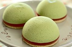Green Tea Flavored Desserts (pies, ice cream, pancakes, cupcakes, cookies, roll ... )