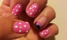 Lizzie's Minnie Mouse nails