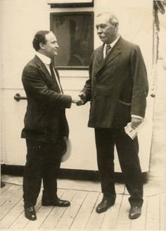 "Arthur Conan Doyle & Harry Houdini 1920 - ""Mr.Doyle, you are thinking of the queen of spades, yes? """