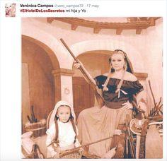 ¡Todos en el Gran Hotel se enterarán que Rómulo Alarcón fue asesinado!… ¿Qué esconderá Doña Teresa?  Compartetus comentarios en nuestrasredes sociales:  Lunes a viernes/9:30pm/Canal de las Estrellas  Facebook:ElHoteldelosSecretosOficial  Twitter:@HdelosSecretos