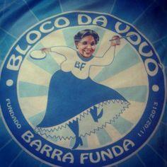 Bloco da Vovó desfila no pré-Carnaval da Barra Funda