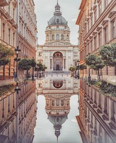 Budapest Hungary - Travel tips - Travel tour - travel ideas The Places Youll Go, Cool Places To Visit, Great Places, Places To Travel, Places To Go, Places Around The World, Travel Around The World, Wonderful Places, Beautiful World