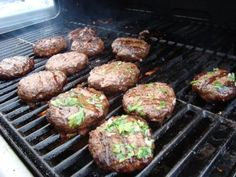 Garlic Butter Burgers Bobby Flay-Made for Memorial Day & came out moist & flavorful. Loved the buns grilled w/garlic butter. Bobby Flay Recipes, Chef Recipes, Grilling Recipes, Meat Recipes, Food Network Recipes, Cooking Recipes, Bobby Flay Burger Recipe, Grilled Hamburger Recipes, Grilling Ideas