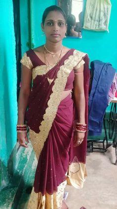 Beautiful Women Over 40, Beautiful Girl Indian, Saree Backless, Desi Girl Image, Aunty In Saree, Indian Girls Images, Indian Bollywood Actress, Girl Body, Indian Beauty Saree