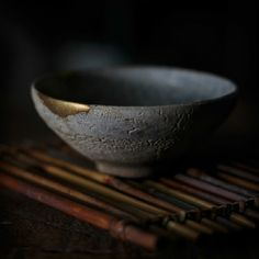 Wabi Sabi – Japanese philosophy to adopt imperfect beauty Decorative accessories old and repaired, full of charm and beauty