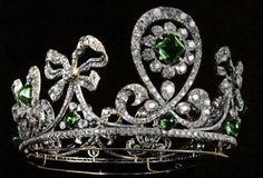 Russian diamond and emerald tiara