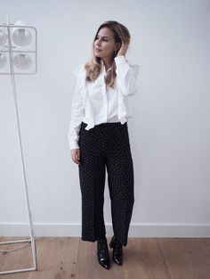 Ruffles and dots | Style by Jules. White ruffle shirt+black polka dots culottes+black patent leather boots. Fall Workwear Outfit 2016