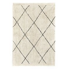 Lura alfombra bereber de pelo de rombos negros sobre blanco - Kenay Home Boho, Rugs, Home Staging, Carpets, The 100, Home Decor, Templates, Handmade Rugs, Round Area Rugs