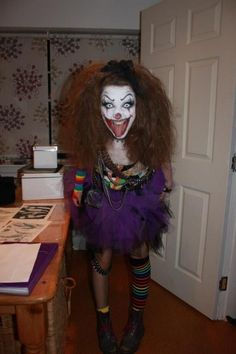 From princesses to witches, little girls will once again have so much fun come Halloween. If you're still not sure as to which costume your child will wear, here are some Halloween costumes for Girls ideas. Girls Halloween Costumes For … Best Girl Halloween Costumes, Clown Costume Women, Scary Clown Makeup, Clown Halloween Costumes, Fete Halloween, Scary Clowns, Halloween Looks, Halloween Costumes For Girls, Halloween Cosplay