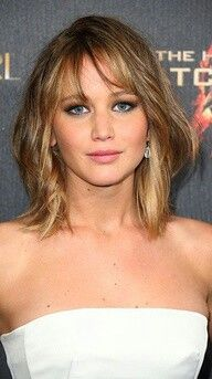 Jennifer Lawrence shoulder length hair long layers