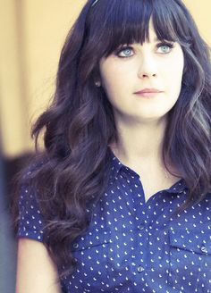 Zooey Deschanel, love her hairstyle