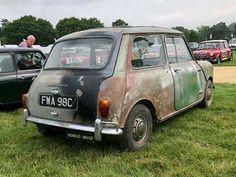 Classic Mini, Classic Cars, Coach Builders, Minis, Wood, Woodwind Instrument, Timber Wood, Wood Planks, Trees