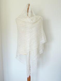 Orenburger Tuch Schal Ziegendaunen weiß filigran 1 - DIVOETHNIC - Tücher - Tücher & Schals - DaWanda
