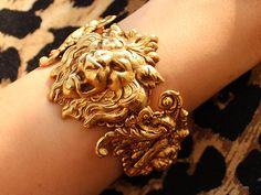gold, lion, and bracelet image Narnia, Casterly Rock, Lizzie Hearts, Gold Aesthetic, Hogwarts, Bling, Valentino, Jewels, Royals