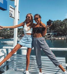 Hanging with my bff💕 Best Friend Pictures, Bff Pictures, Cute Photos, Friend Pics, Bff Pics, Tumblr Summer Pictures, Cute Summer Pictures, Beachy Pictures, Friendship Pictures