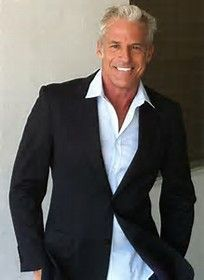 """silver fox stay grey Had to throw a few gorgeous men in too. """"Joe Kloenne proves gray-haired men can be sexy. Mode Masculine, Sharp Dressed Man, Well Dressed, Older Mens Fashion, Handsome Older Men, Men With Grey Hair, Gray Hair, Going Gray, Mature Men"""