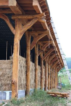 Simple, Dry Footers that Outperform Concrete (and cost less) Pole Barn House Plans, Pole Barn Homes, Cob House Plans, Cob Building, Building A House, Container Home Designs, Straw Bale Construction, Cordwood Homes, Earthship Home