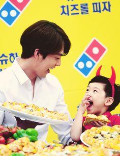 Las etiquetas más populares para esta imagen incluyen: kim woo bin, cute y kimwoo bin