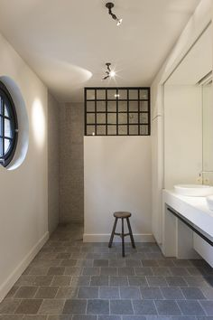 Belgian | Bathroom | Window | Villabouw1 | Magnus villa's