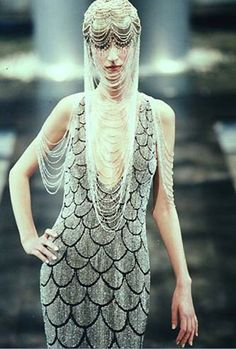 judith-orshalimian:  Givenchy haute couture by Alexander Mcqueen spring/summer 1998 :)