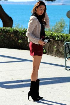 Post en Estilo Stiletto con botas de piel Paco Herrero y short oxblood, color must de esta temporada.