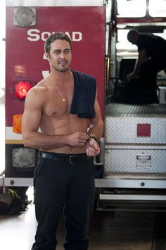 Chicago Fire : After a long day of firefighting, Kelly (Taylor Kinney) gives that bod a breather.