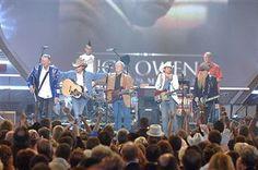 Chris Hillman, Billy Gibbons, Travis Barker, Dwight Yoakam, and Brad Paisley perform Buddy Owens tribute (18)