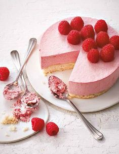 """Almond and raspberry cloud cake- Gâteau nuage amande et framboise A gluten-free cloud cake that appeals to all . Discover the preparation of the recipe """"Almond and raspberry cloud cake"""" - Vegan Breakfast Recipes, Best Breakfast, Vegan Recipes Easy, Sweet Recipes, Cake Recipes, Dessert Recipes, Cooking Recipes, Breakfast Muffins, Cloud Cake"""