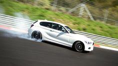 BMW+M135i+Nürburgring+Pistinde+Geziyor